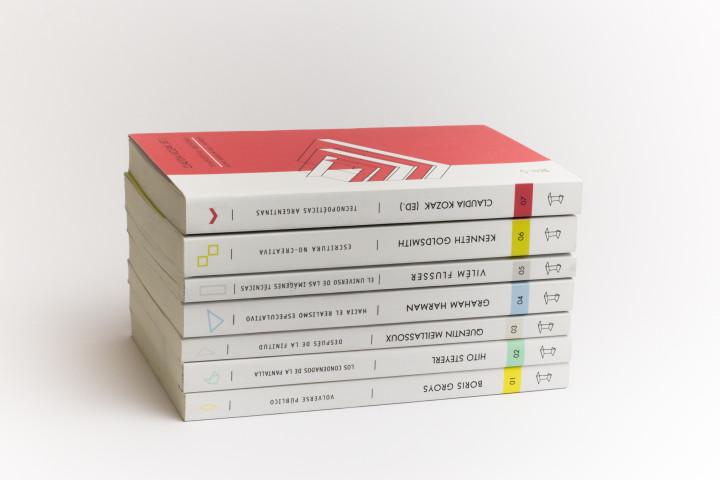 Colección Futuros Próximos - Consuelo Parga- Mención Destacada categoría Colección